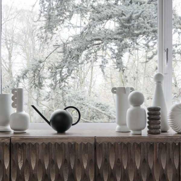 petit arrosoir design intérieur rond assortiment vase art scandinave - blog déco - clem around the corner
