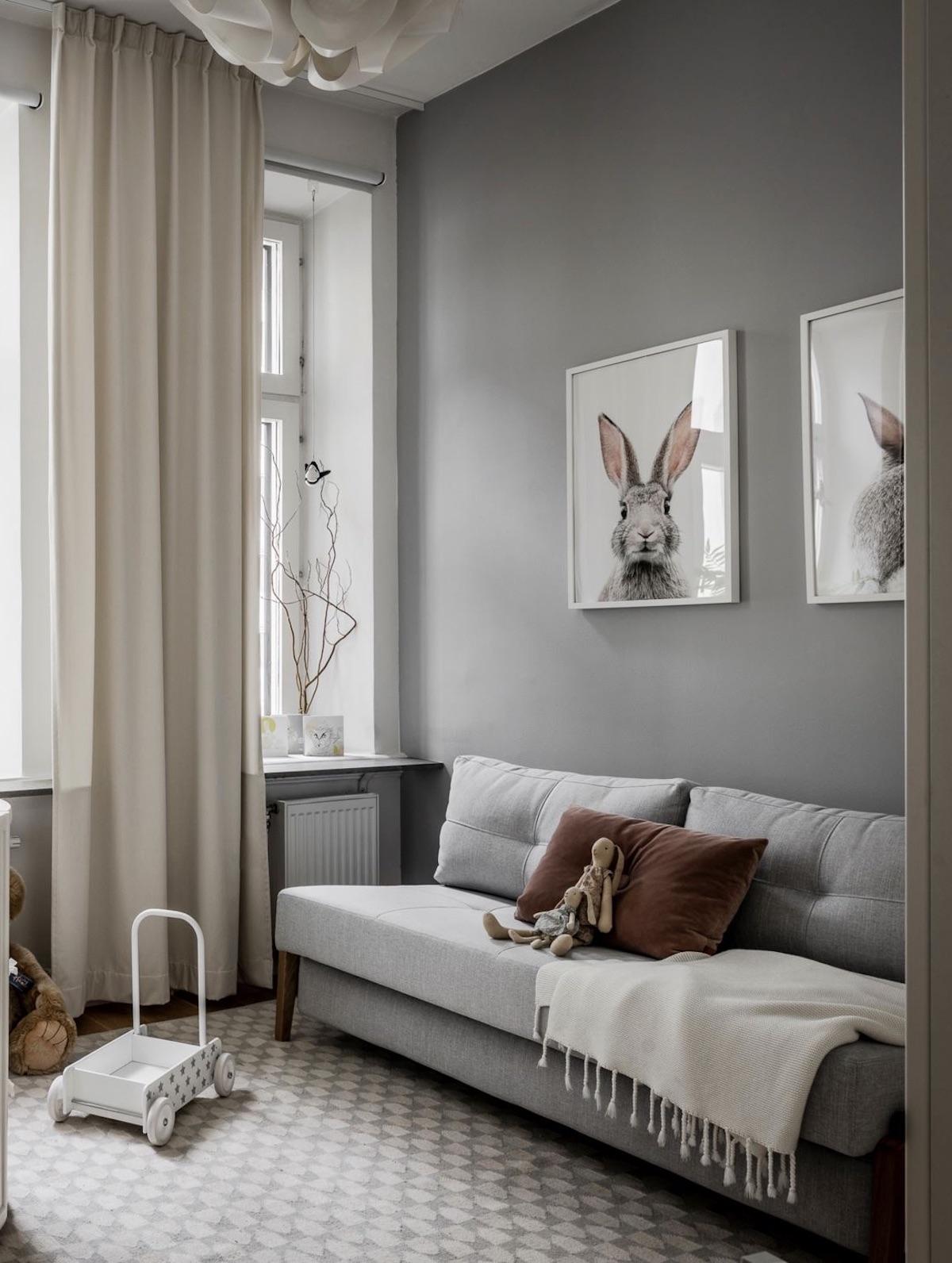 chambre bébé gris blanche décoration nordique canapé lit ami convertible