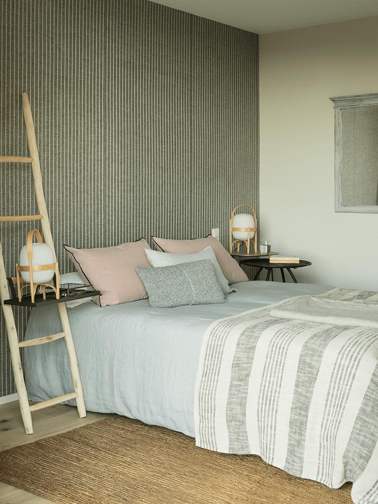 chambre décoration couleur pastel vintage housse couette drap linge lin rayé
