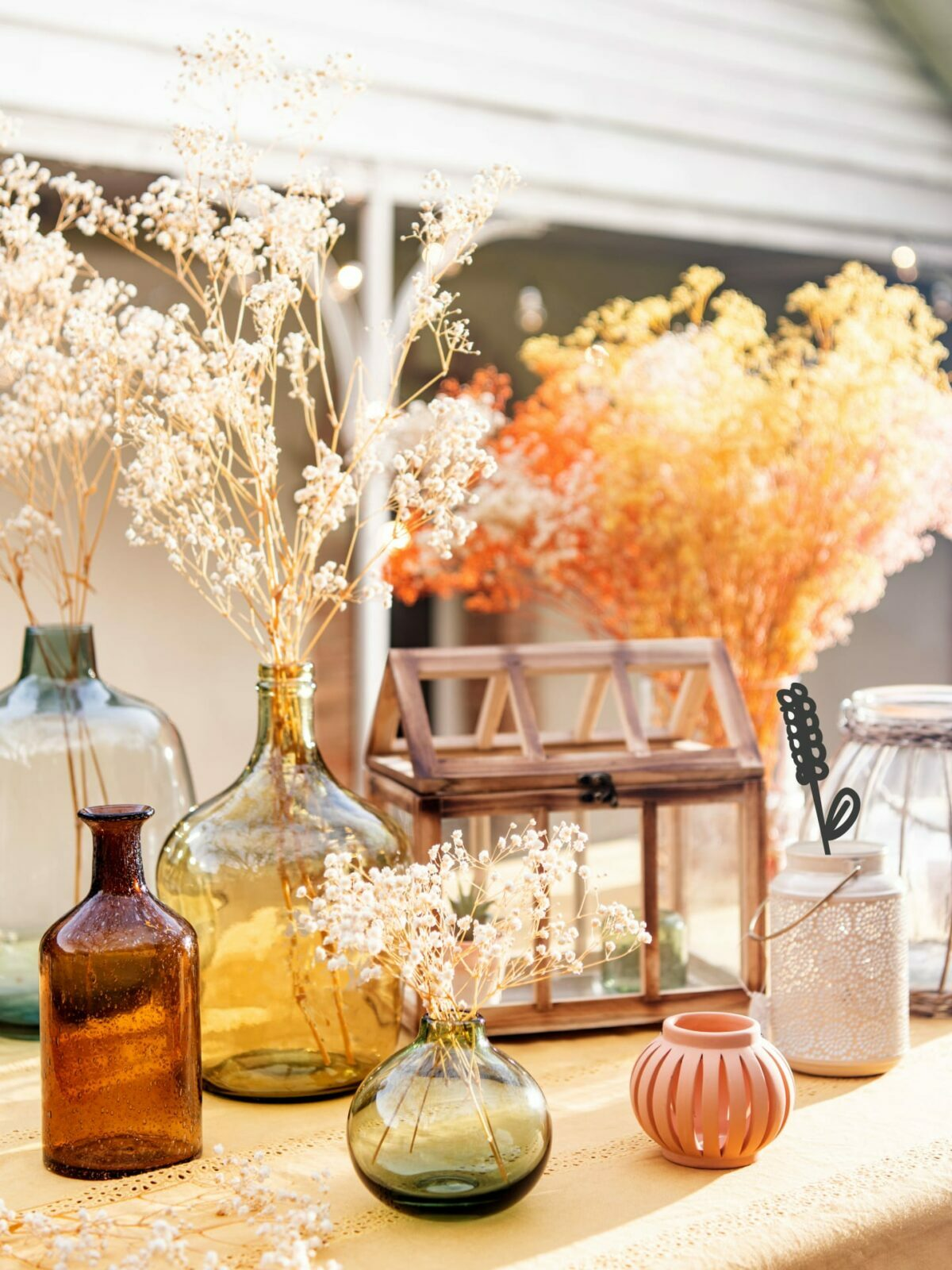 déco estivale table fête mariage bohème italienne couleur pastel vase gyspo séché bouquet