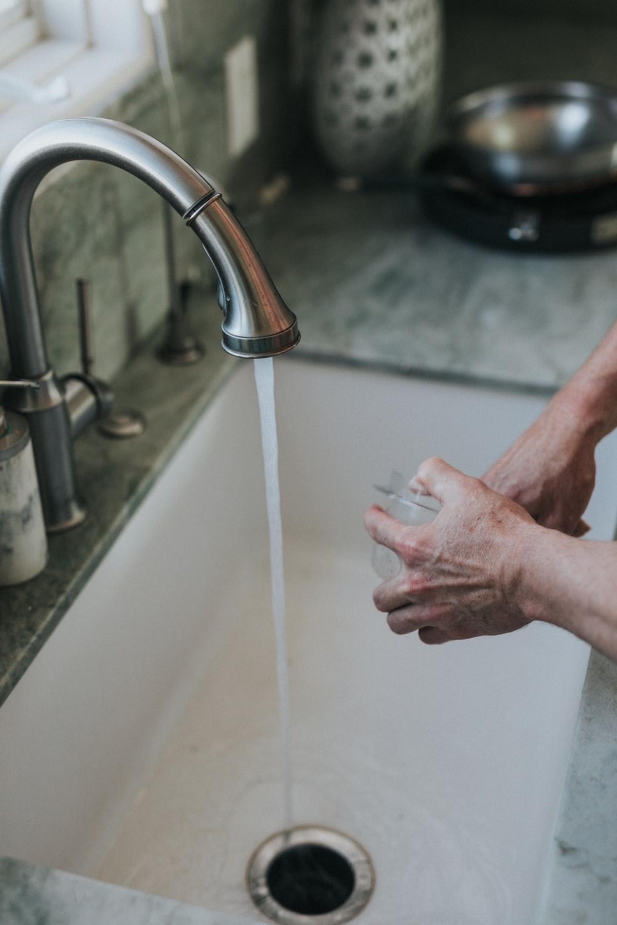 entretien canalisation mauvaise odeur - blog déco - clemaroundthecorner