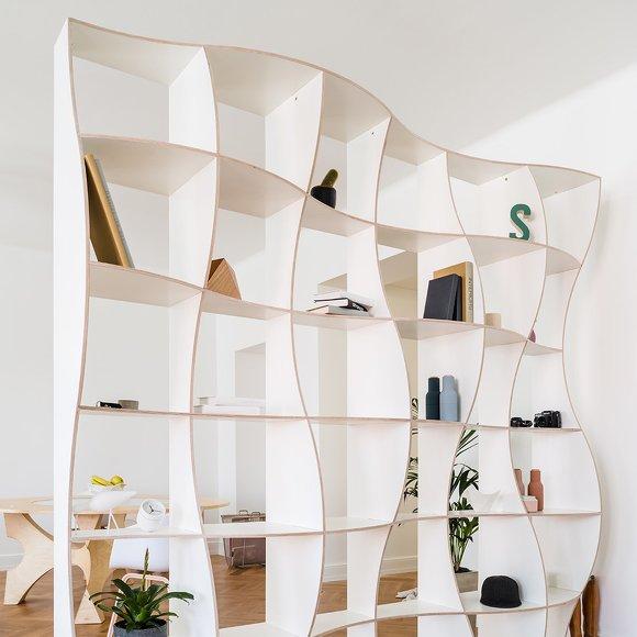 étagère ondulation bois blanc déco intérieure lumineux épurée naturelle