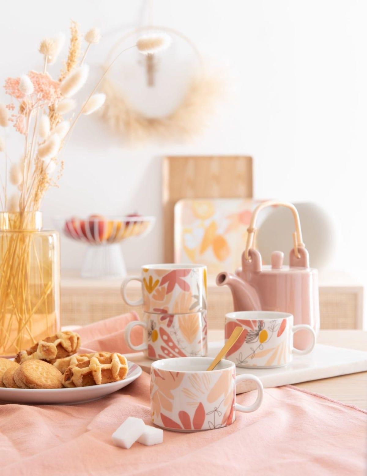 nouvelle collection maisons du monde tasse en faience blanche rose jaune fleur