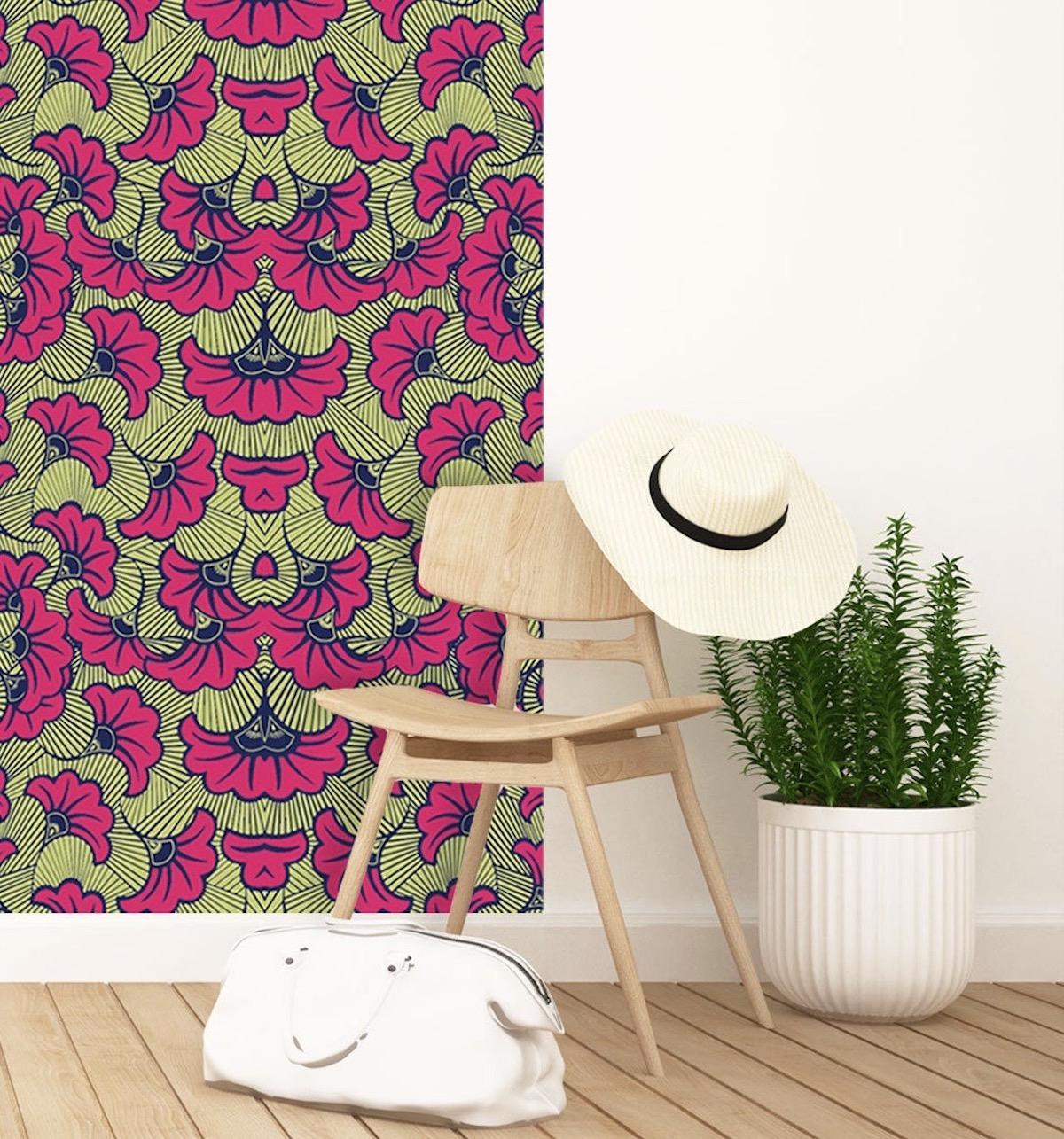 papier peint afrique rose chaise bois - blog déco - clematc
