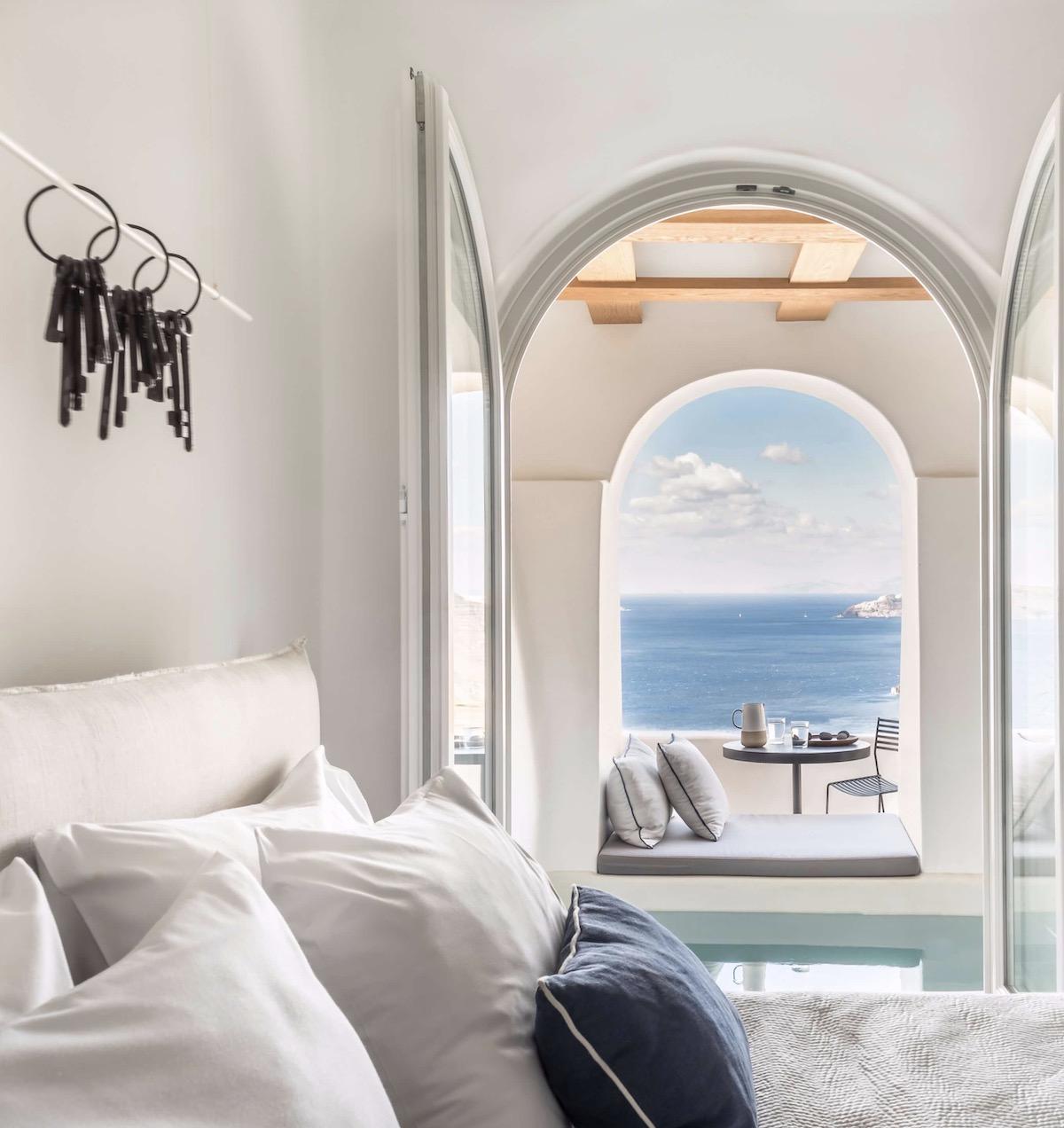 porto fira suites hotel chambre vue sur mer Égée avis santorin