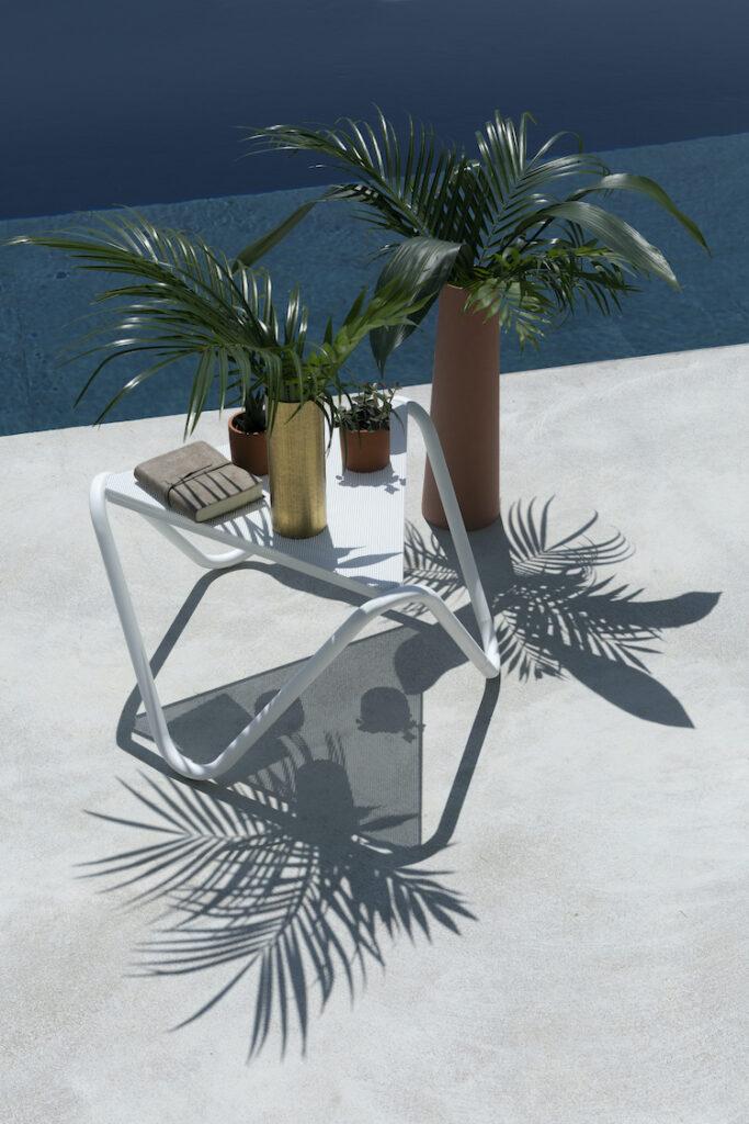 table basse extérieur triangle métal perforé style bauhaus blog déco
