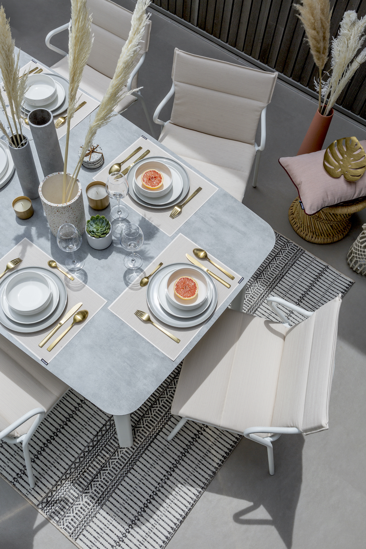 table repas jardin terrasse plateau imitation béton - blog déco - clem around the corner