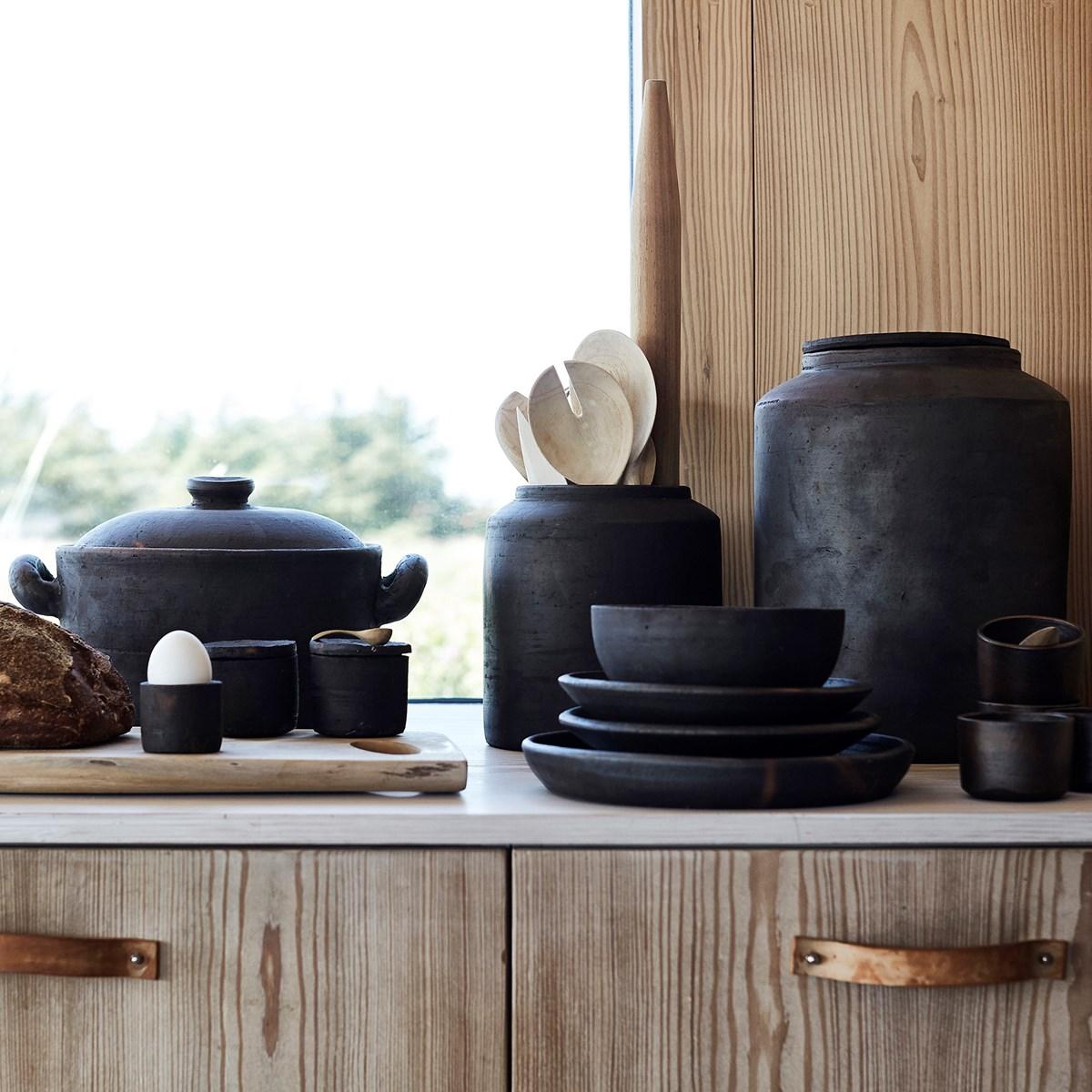 ustensile cuisine terre cuite marron foncé rustique cuillère en bois