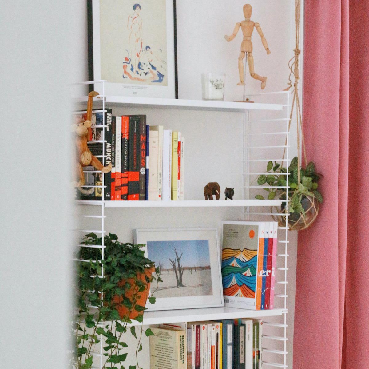 blog déco clematc bibliothèque blanche scandinave rideaux rose