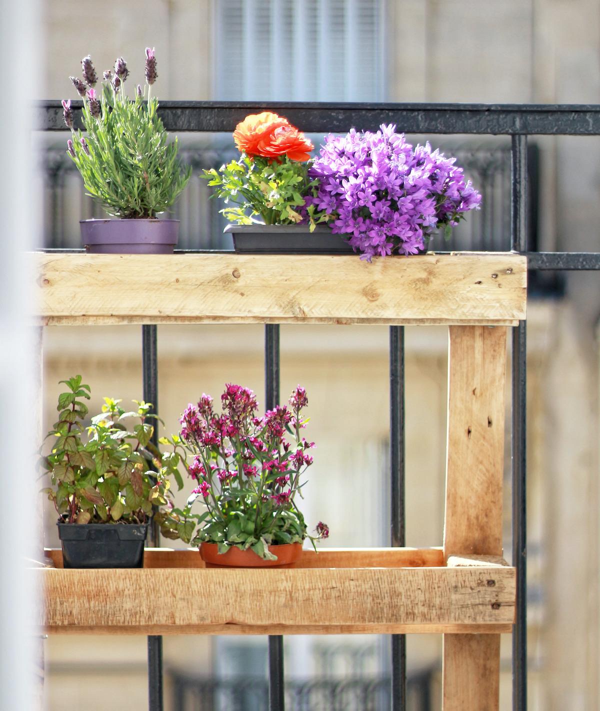 déco extérieure jardinière palettes en bois pots à fleurs