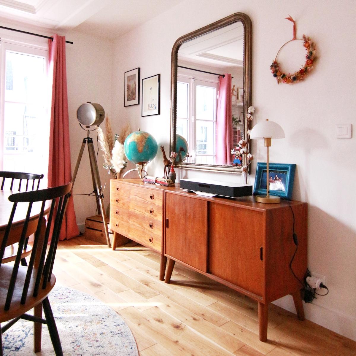 meuble en teck miroir vieilli doré déco murale fleurs séchées