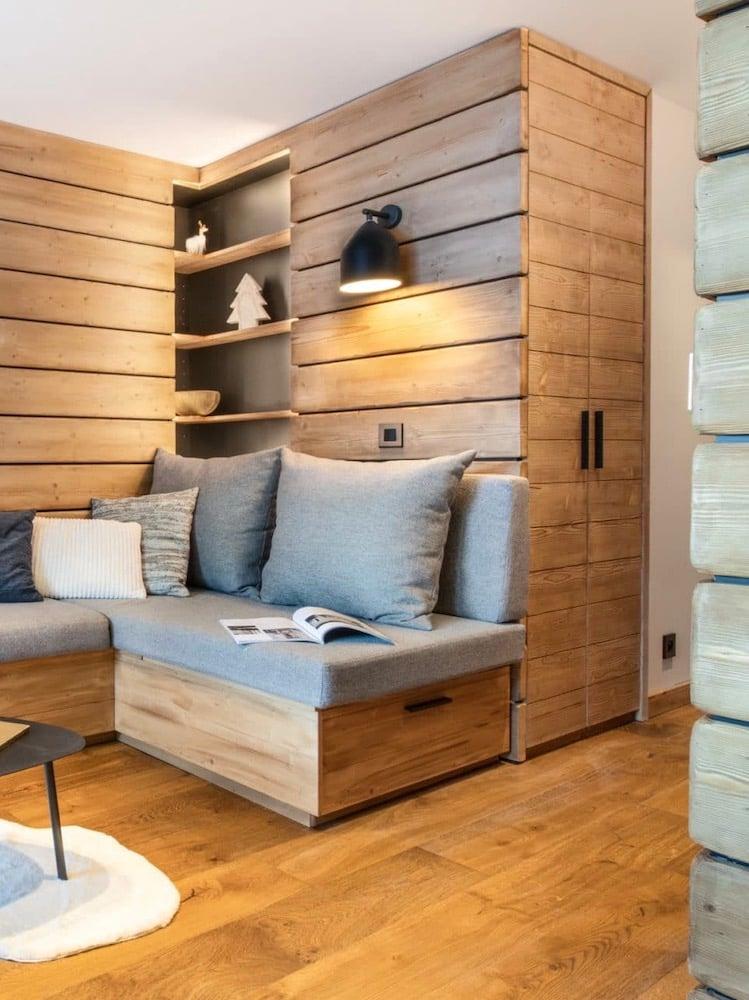 meuble gain de place canapé placard banquette encastrée petit appartement à Val d'Isère ski