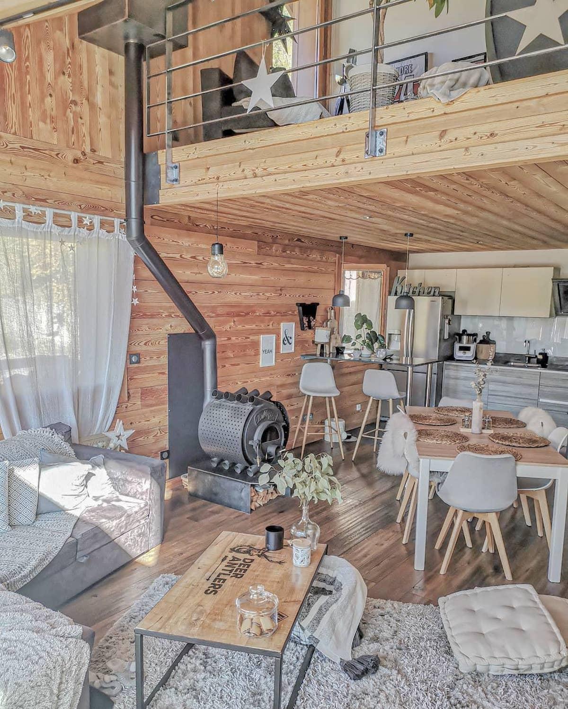 Déco by Paolina chalet style montagne bois salon séjour cuisine ouverte