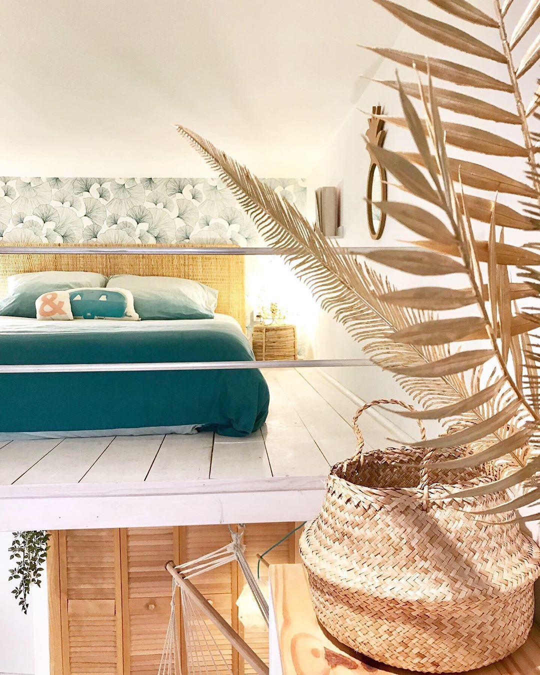 chambre ado déco tropicale lit fibres naturelles panier en osier