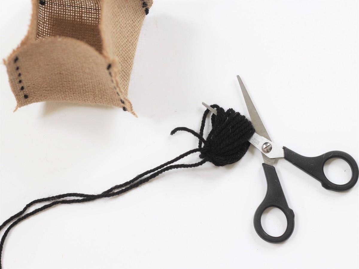 comment créer pompon laine facile sans outil ficelle décoration