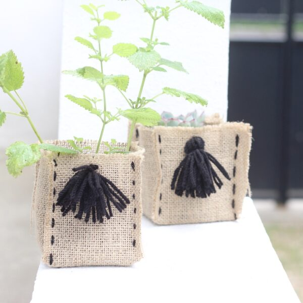 créer cache pot en jute toile diy plante aromatique - blog déco - clem around the corner
