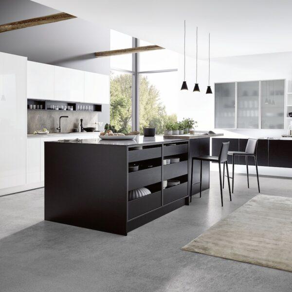 cuisine avec îlot central noir gris plan travail extra fin ouverte salon scandinave design