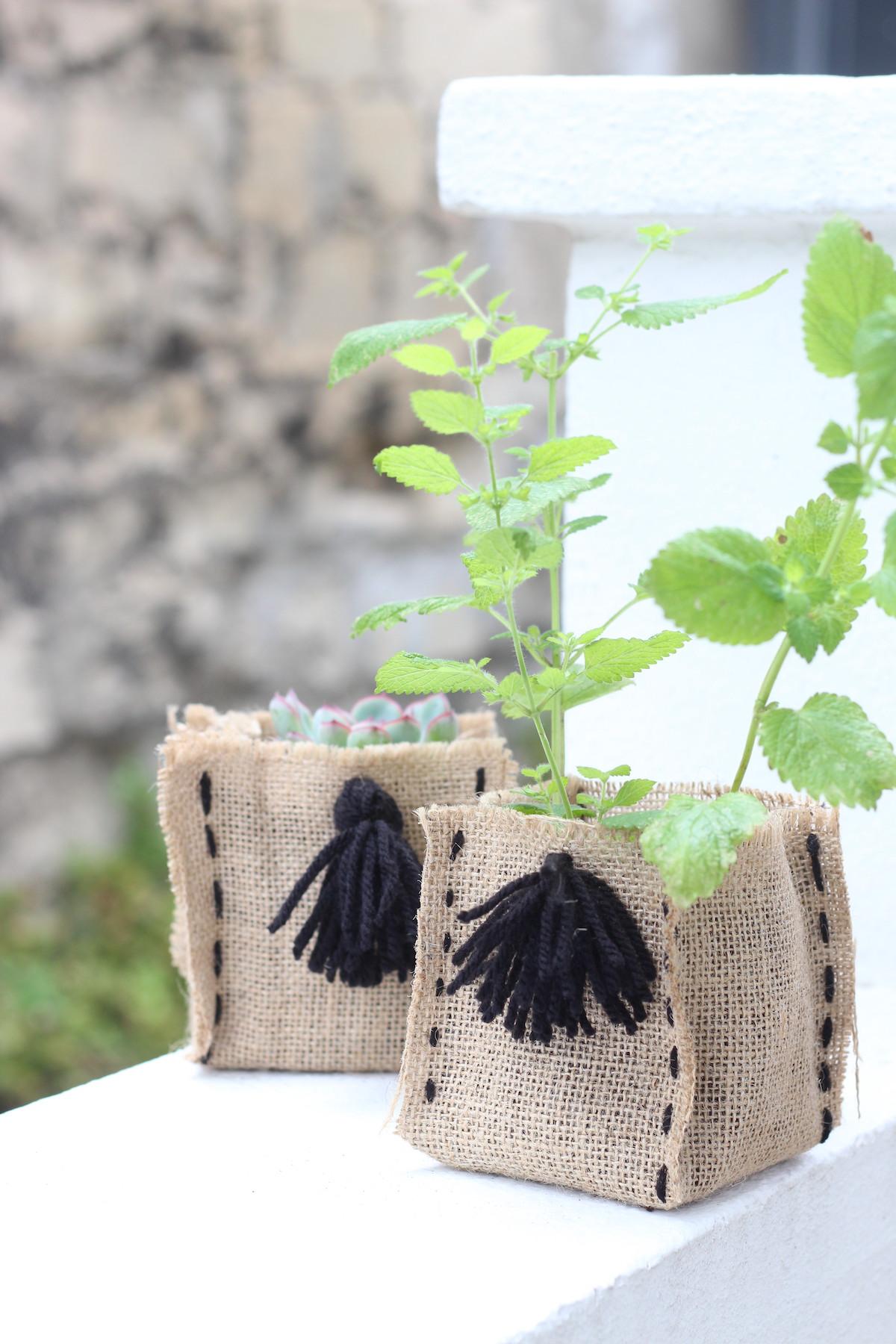 fabriquer pot en toile jute diy semis plantation écolo biodégradable bricolage