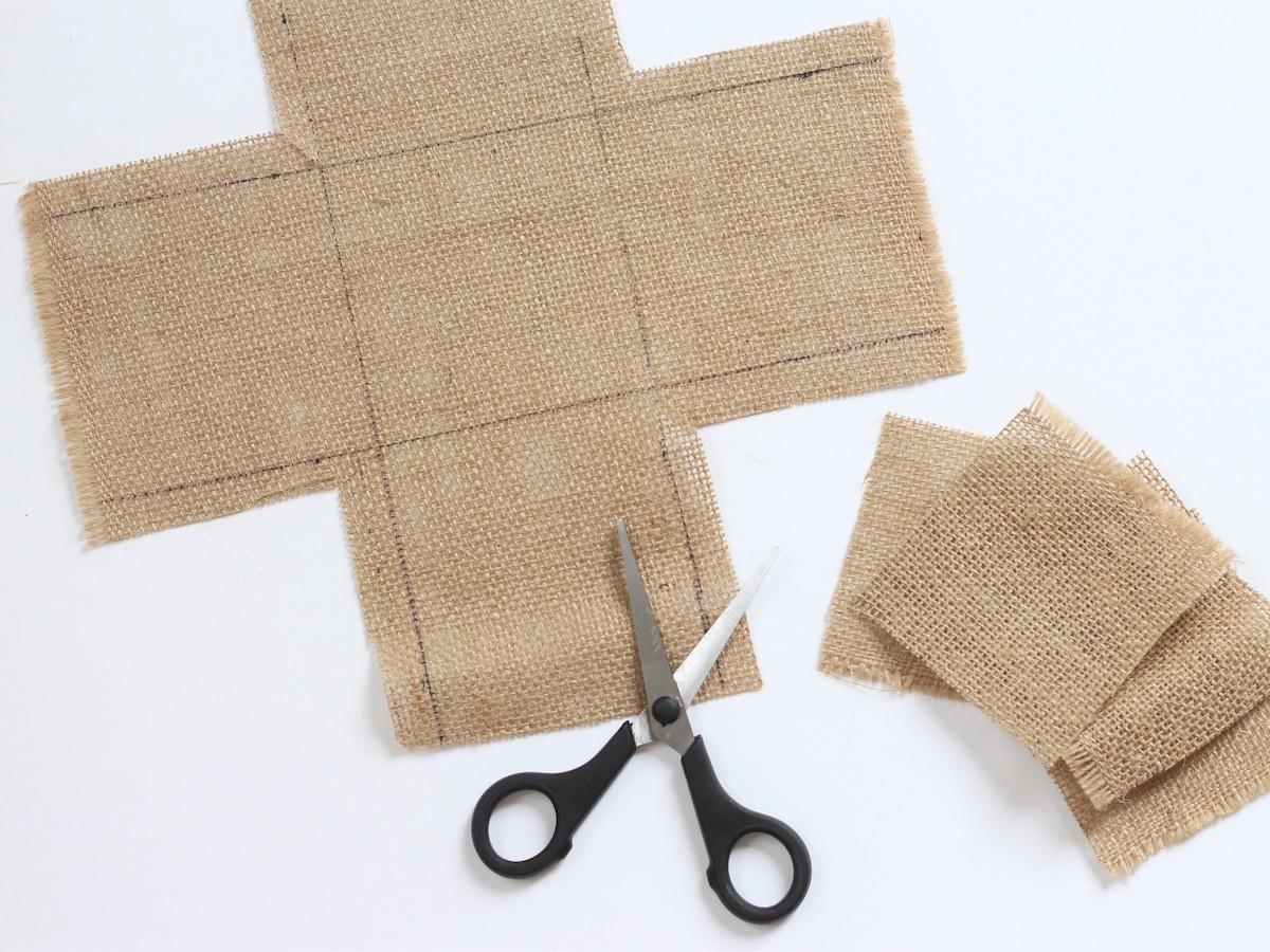 idée décoration activité bricolage enfant sans couture tissu ciseaux feutre sharpie