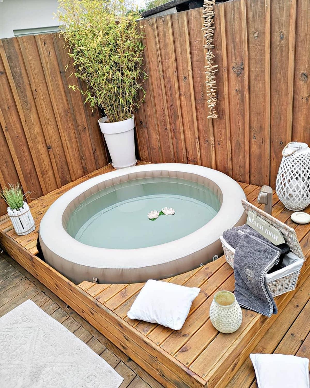 jardin terrasse bois style montagne jacuzzi lanterne - blog déco - clematc