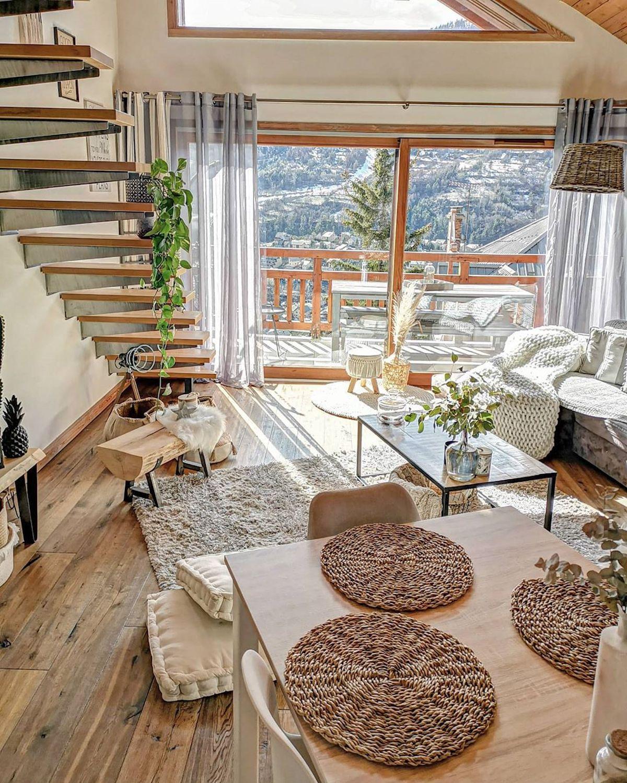 séjour balcon vue montagne salle à manger