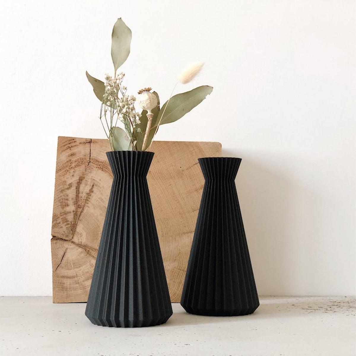 vase noir fleurs séchées bois original origami dans la déco