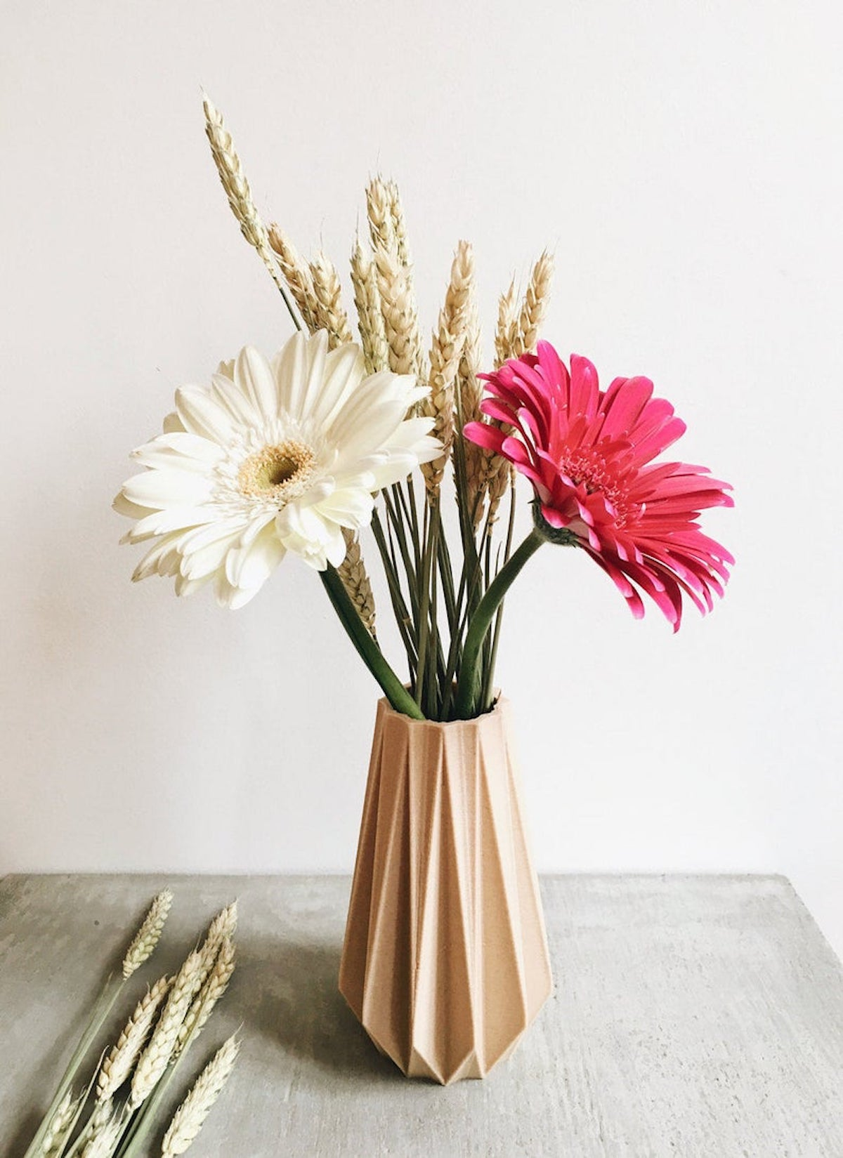 vase origami bouquet de fleur rose séchées - blog déco - clematc
