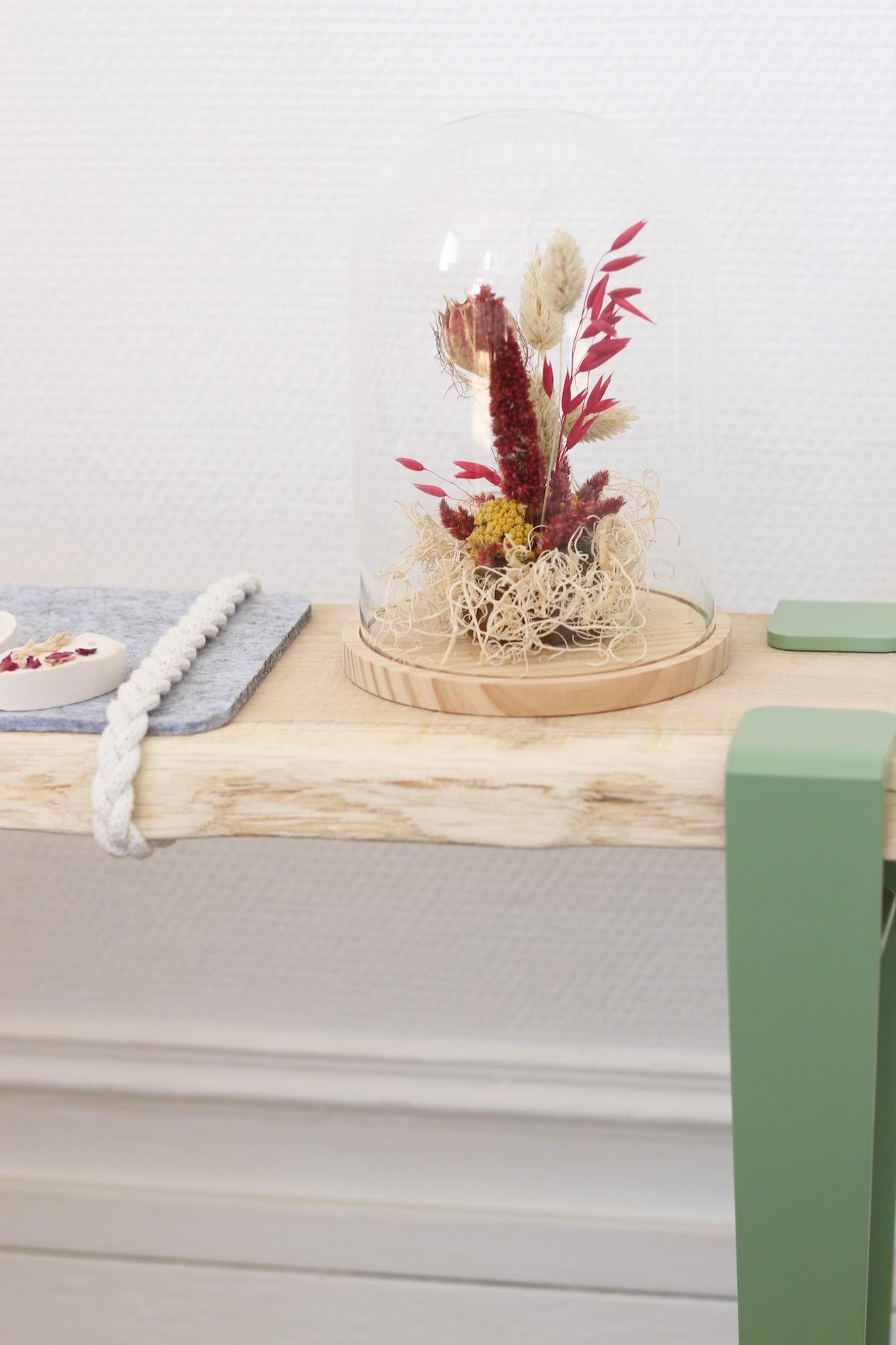 banc d'entrée DIY bois vitrine fleur séchée création déco - blog clem around the corner