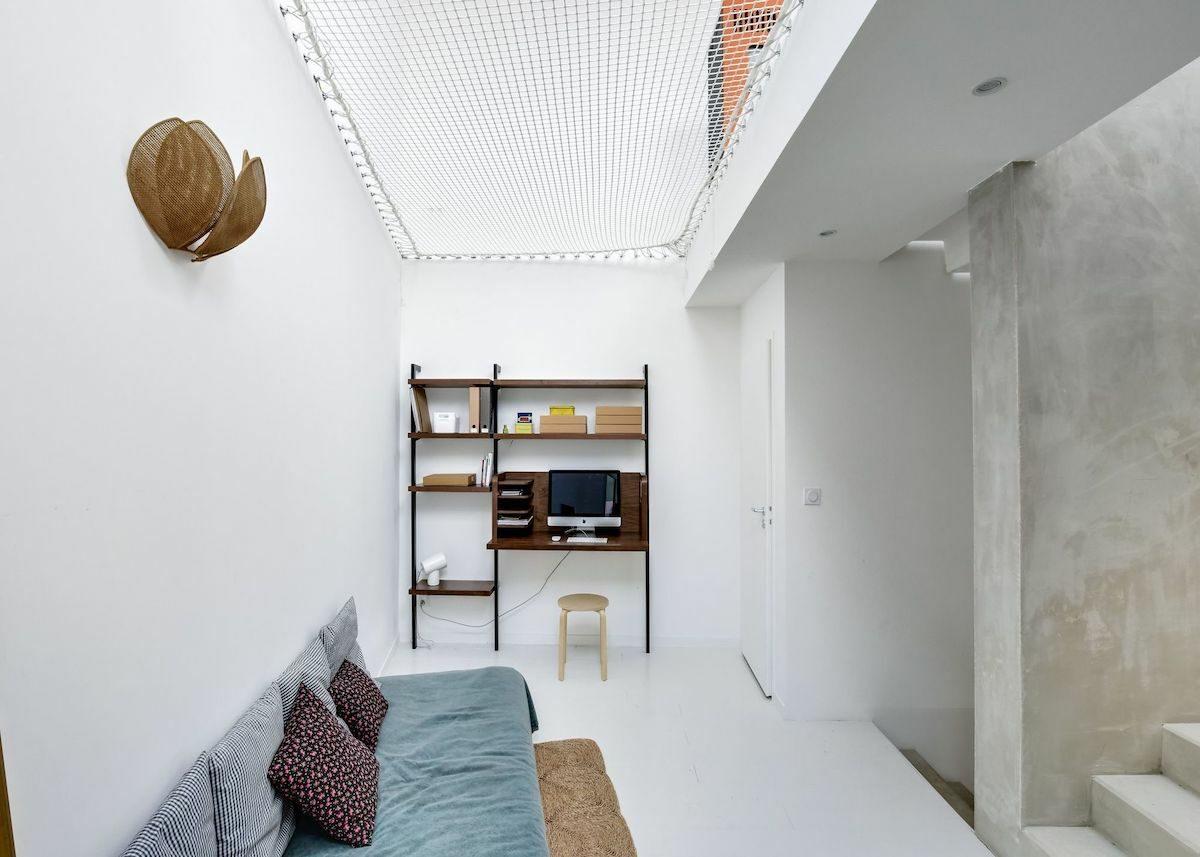 bureau salon escalier béton filet blanc - blog déco - clematc