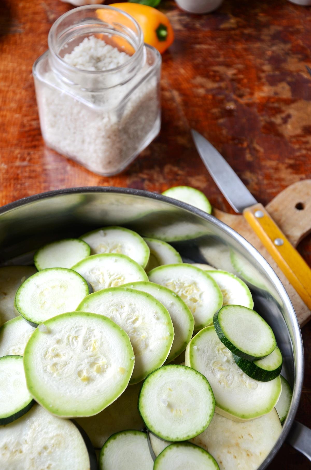comment cuire courgette eau facile dégorger enlever excédent eau conseil chef