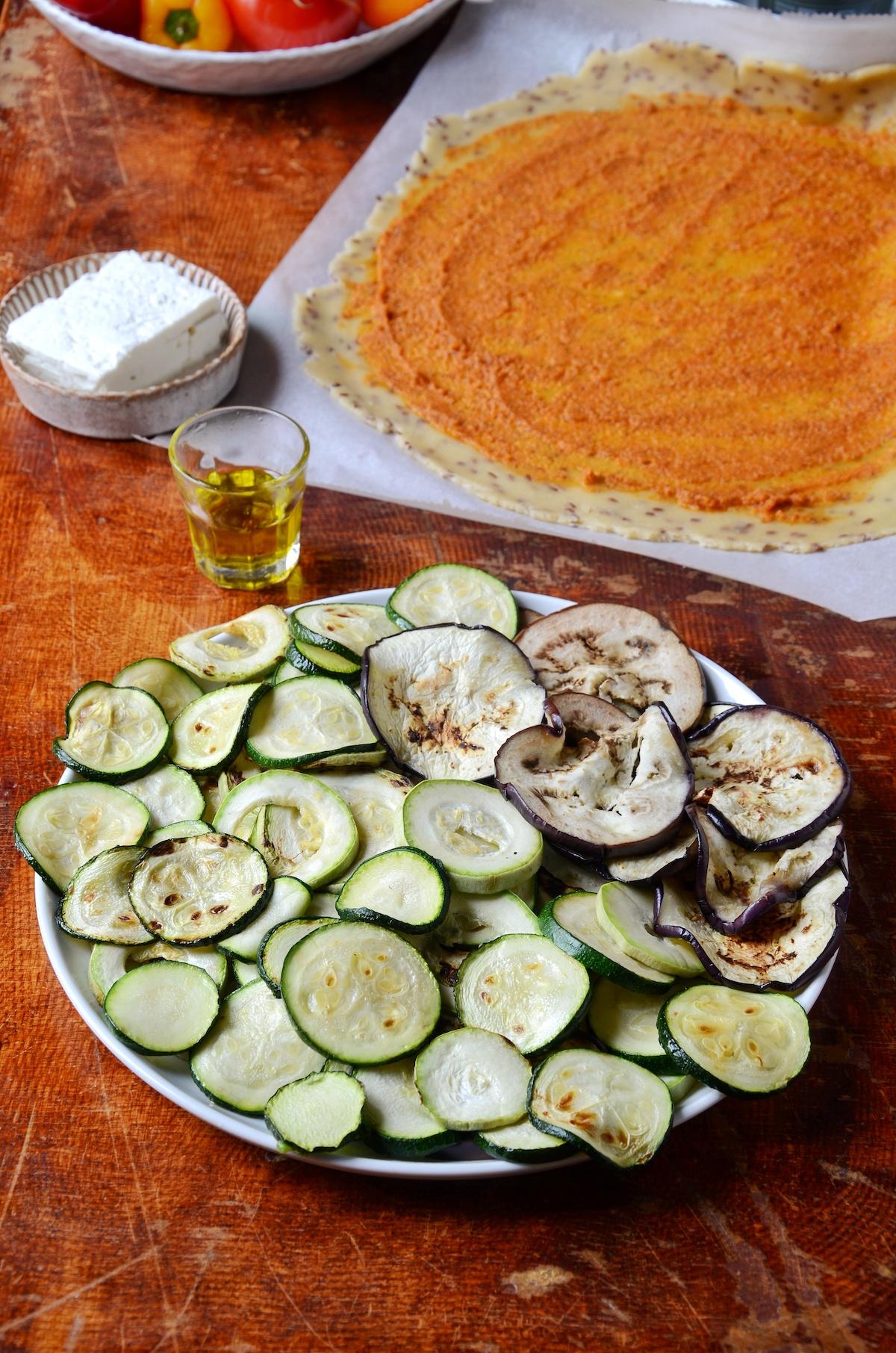 fond de tarte rustique pesto rosso courgette aubergine tomate