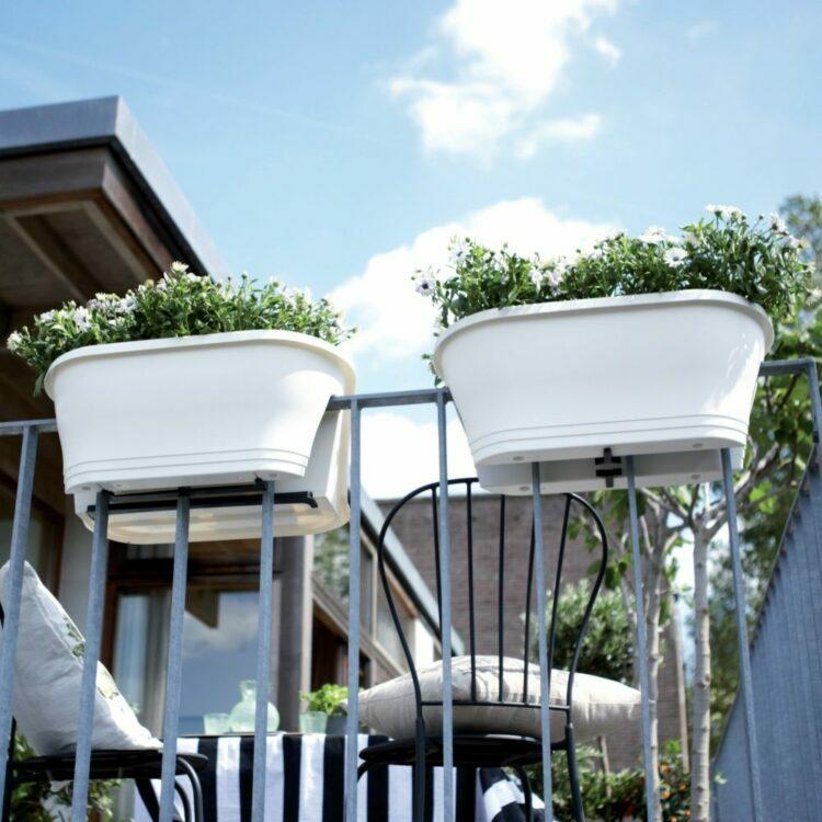 jardinière balcon deux côtés à cheval balustrade sécurité plastique design potager en ville