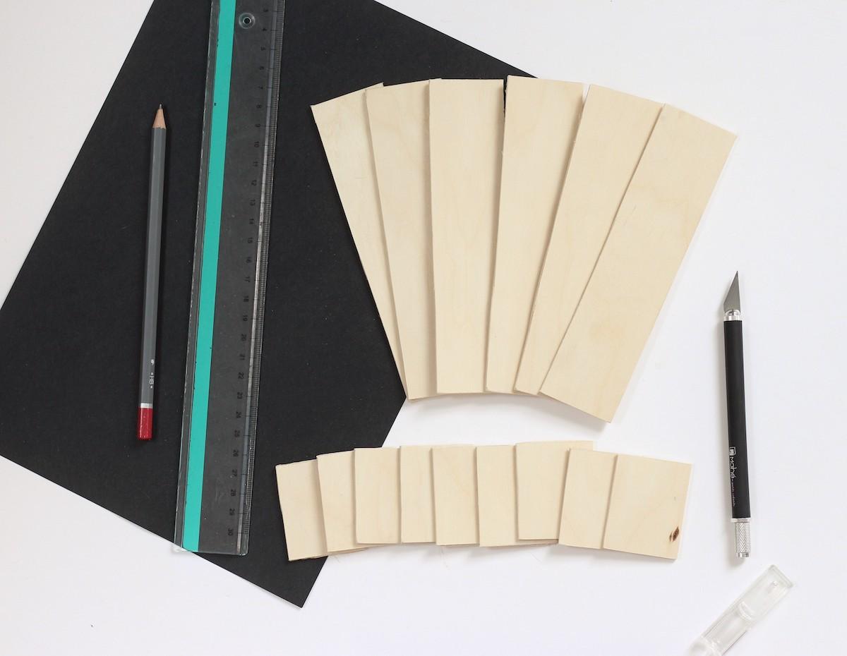 tuto calendrier perpétuel bois balsa cutter feutre marqueur sharpie