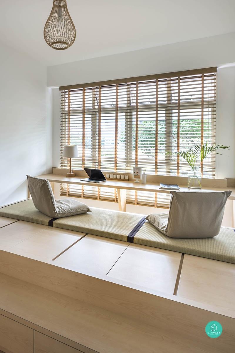 blog déco bureau face fenêtre table bois tatamis assise en coussin