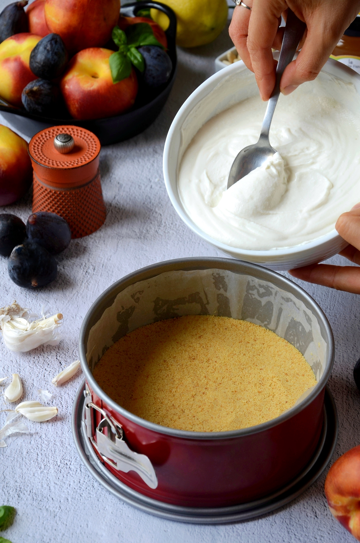 préparer dessert gateau anniversaire adulte figue fromage pêche