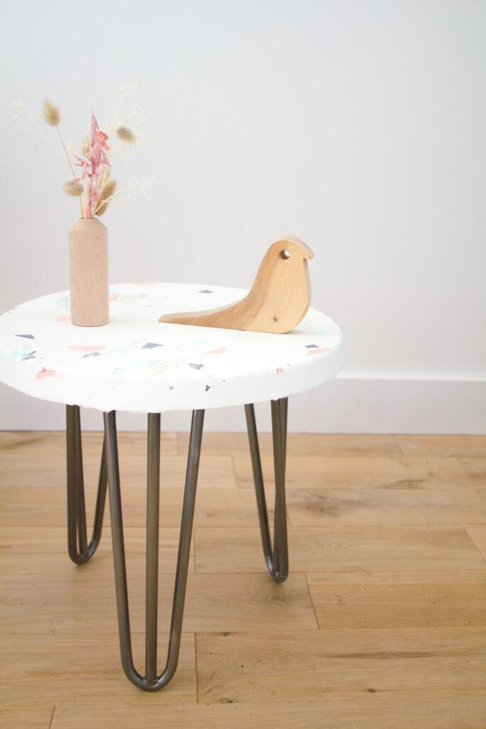 table ronde granito pied en fer fait maison diy facile