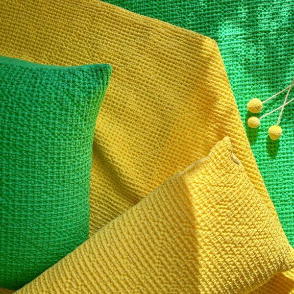 terrasse colorée plaid coton - blog déco - clem around the corner