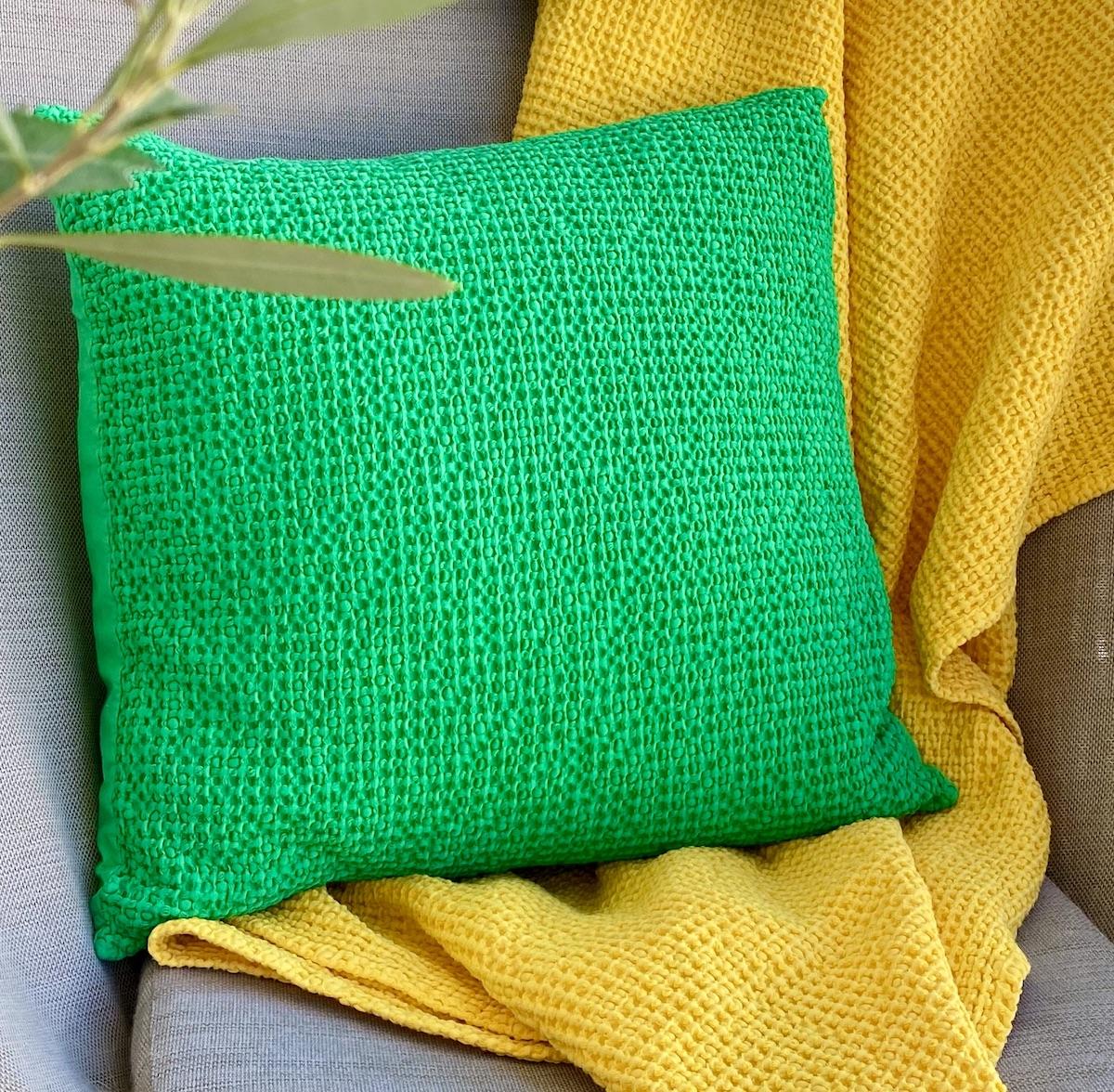 terrasse colorée textile coton extérieur nid abeille plaid coussin
