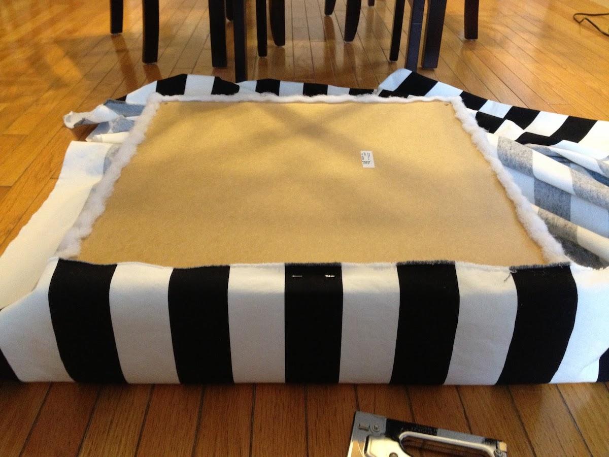 Tutoriel transformer table basse IKEA LACK pouf - blog clem around the corner