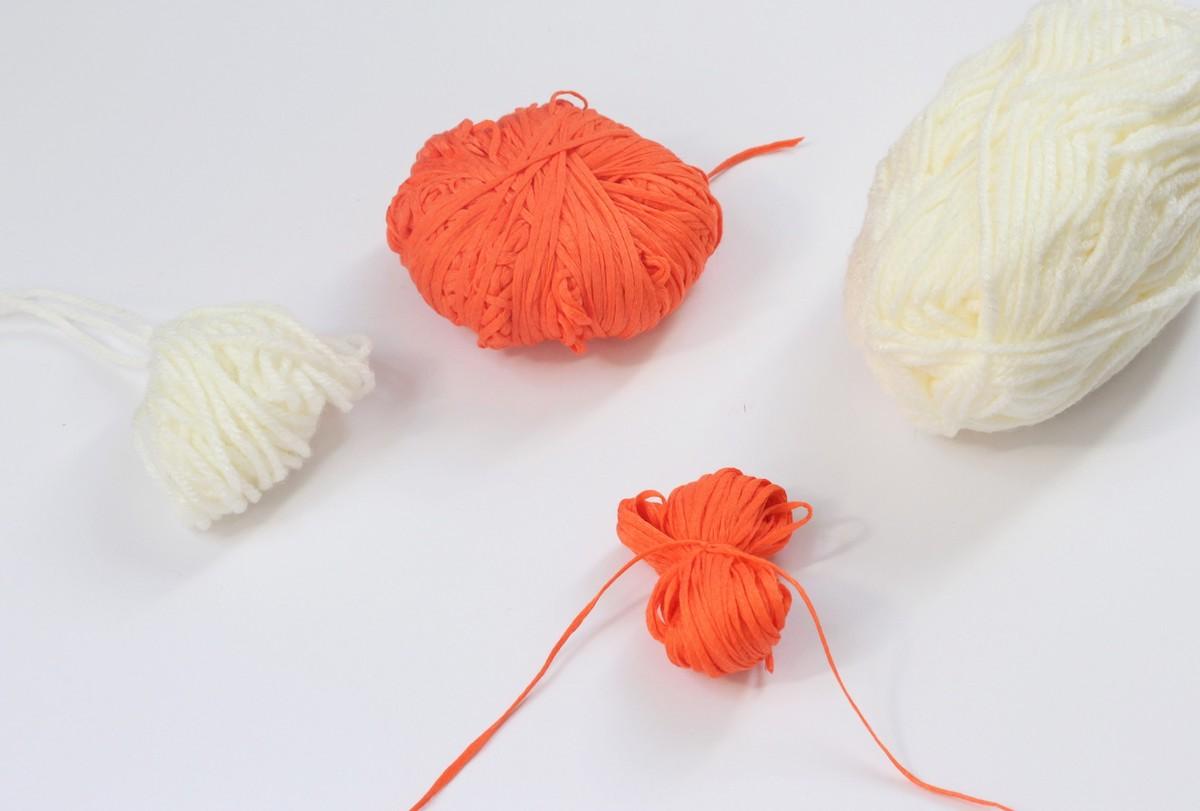 tuto déco diy faire pompon laine facile express sans matériel main