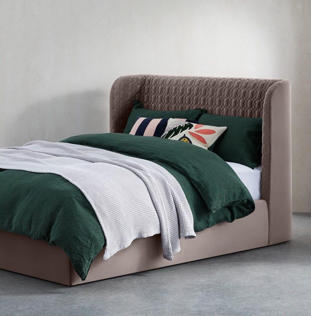 chambre sobre lumineuse moderne lit taupe blog déco clematc