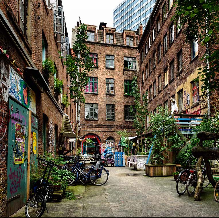 hambourg street art immeuble brique squat artiste graffiti