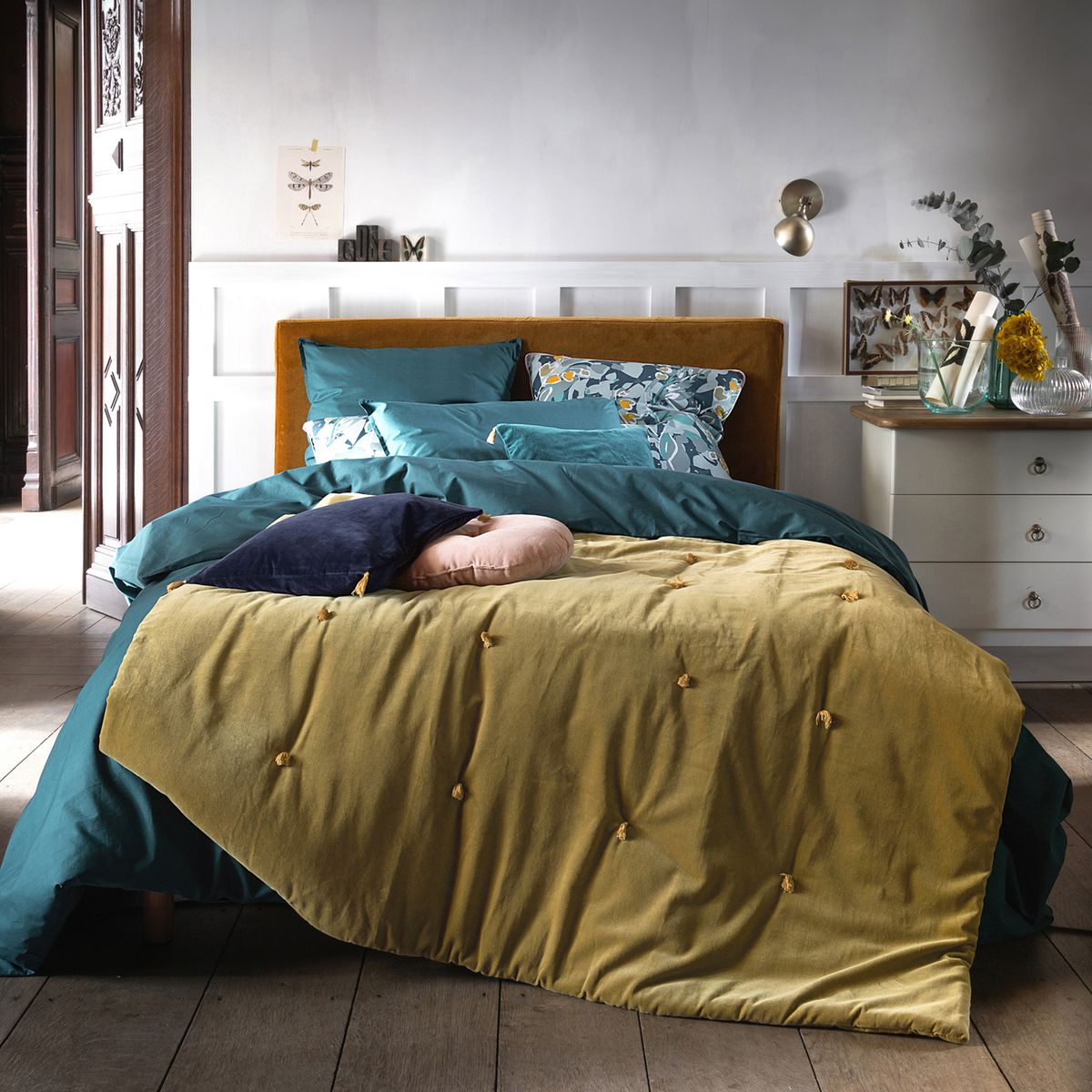 chambre bleu canard jaune moutarde velours drap édredon