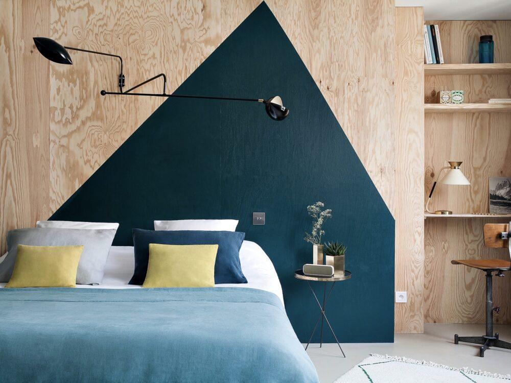chambre bleu canard moderne graphique - blog déco - clem around the corner