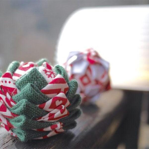 boule de Noël décoration polystyrene - blog déco - clem around the corner