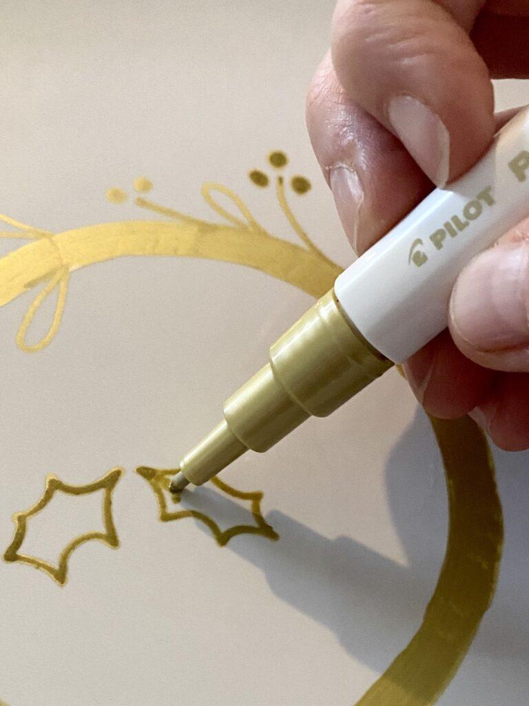 créer son plateau centre table de Noël dessin couronne houx