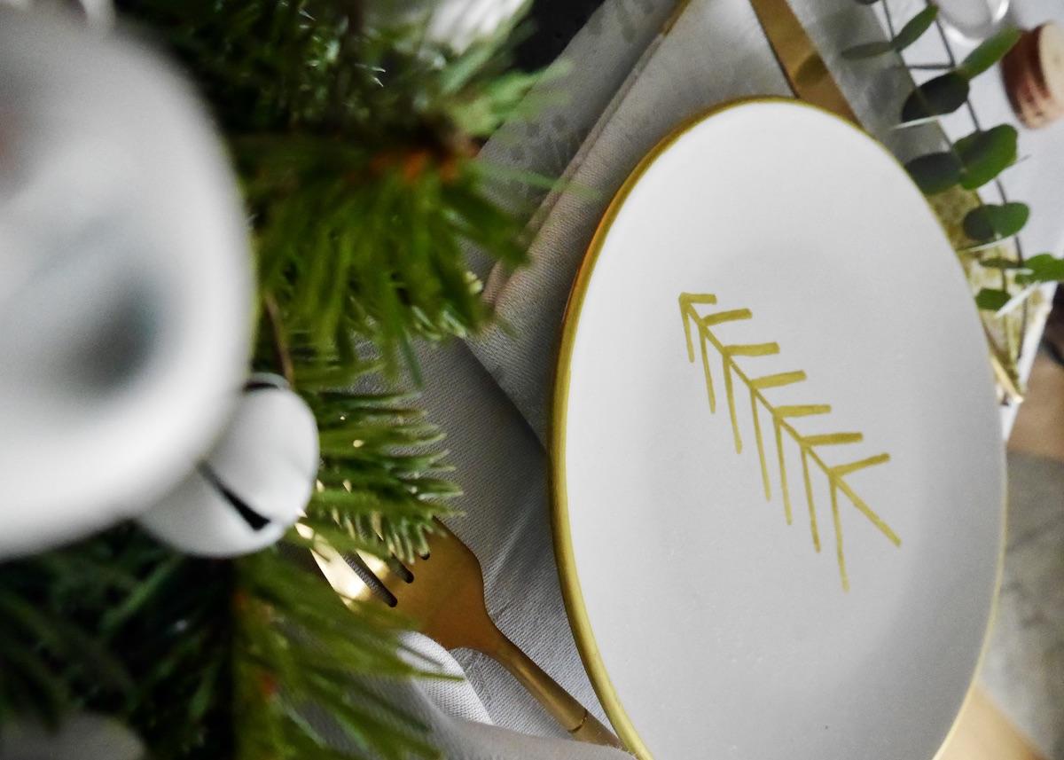table de Noël 2020 made in France vaisselle blog déco - clem around the corner