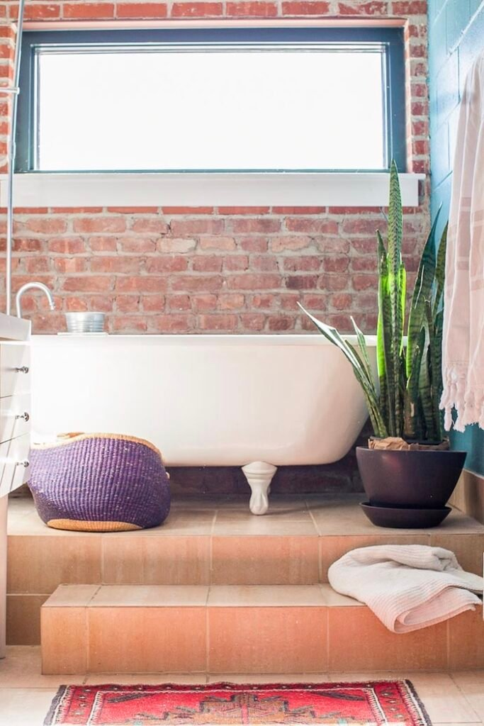 salle de bains boho rustique new-york carrelage orange