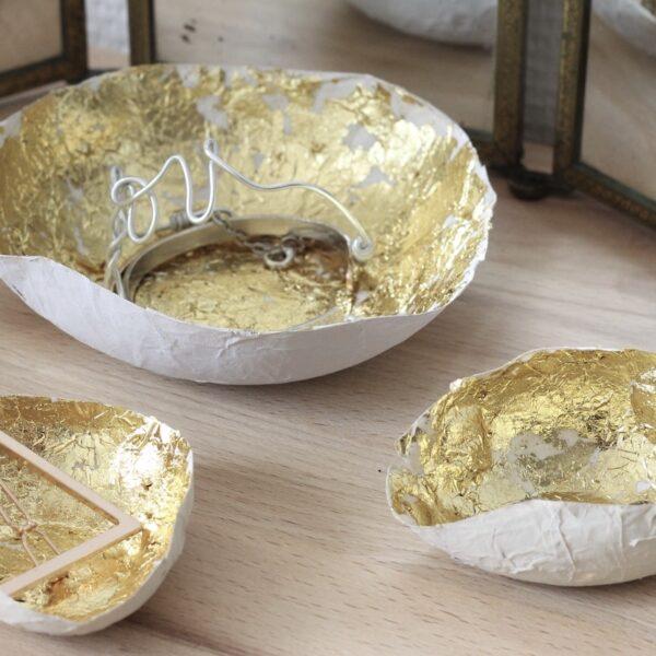 Bol doré en papier mâché à faire soi-même