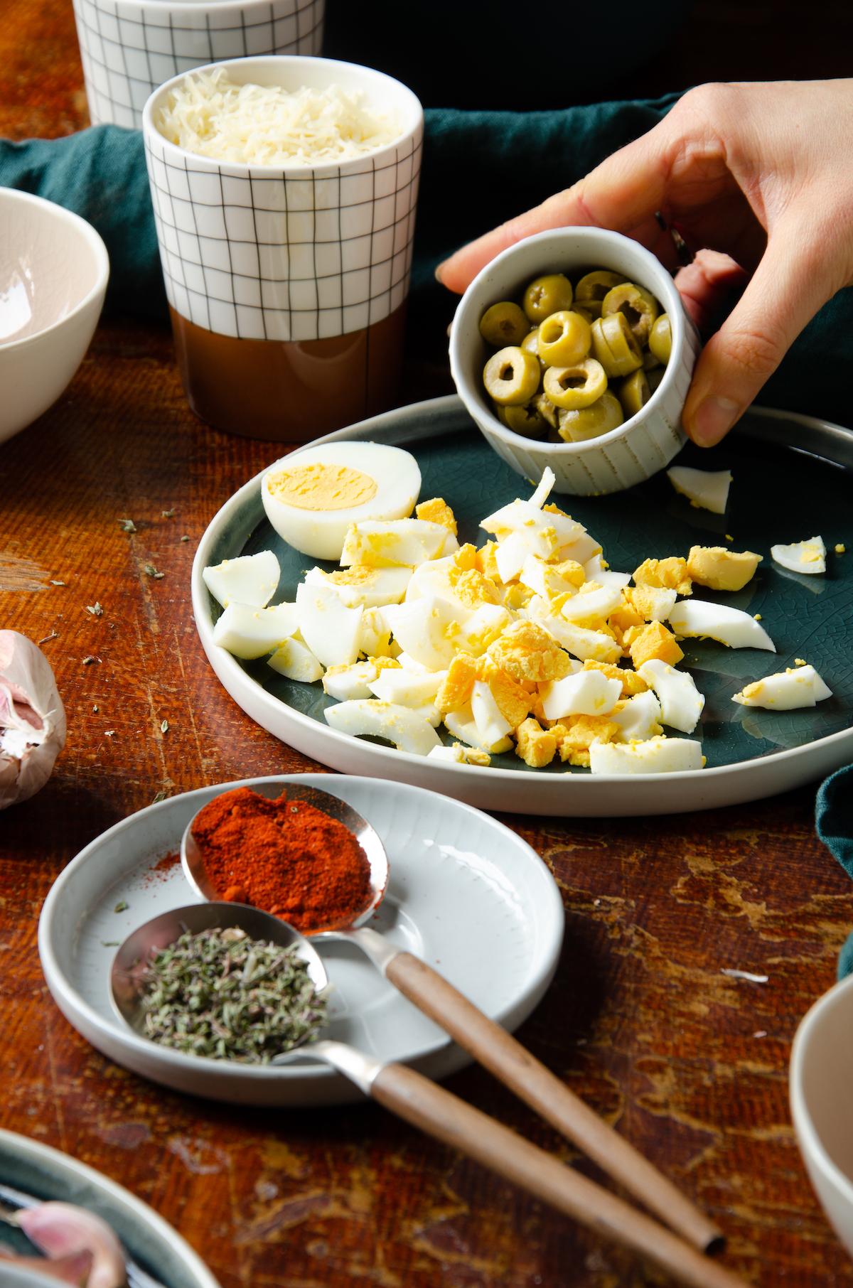assiette bleu canard terracotta service céramique déco